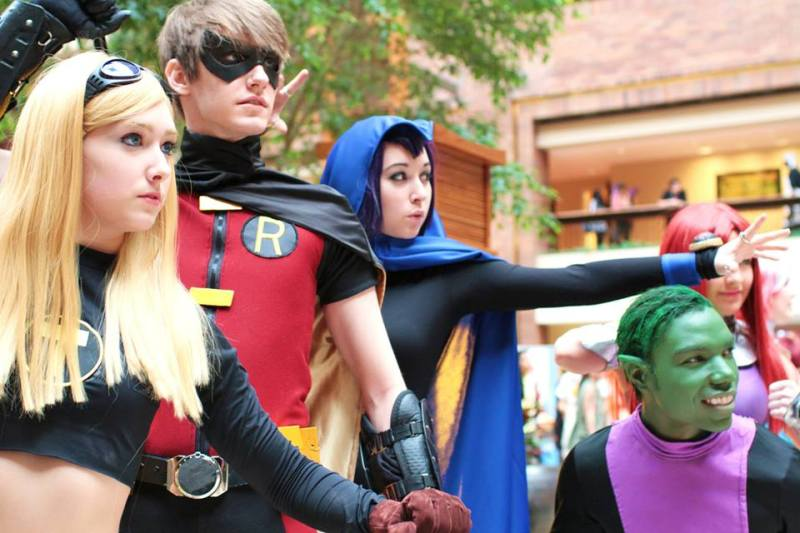 sumner-bukoski-as-young-justice-robin-heather-hodges-as-wonder-girl-marissa-cuce-as-raven-and-jonathan-kyle-mason-as-beast-boy