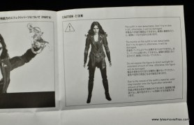 Hot Toys Scarlet Witch figure review - instructions 2
