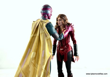 Hot Toys Scarlet Witch figure review - quiet time with Vision