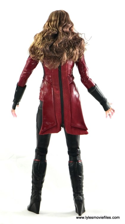 Hot Toys Scarlet Witch figure review - rear