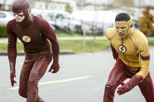 The Flash Untouchable review - Flash and Kid Flash set to race