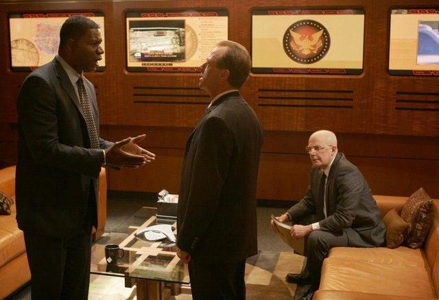 24 Season 4 - David Palmer and President Logan
