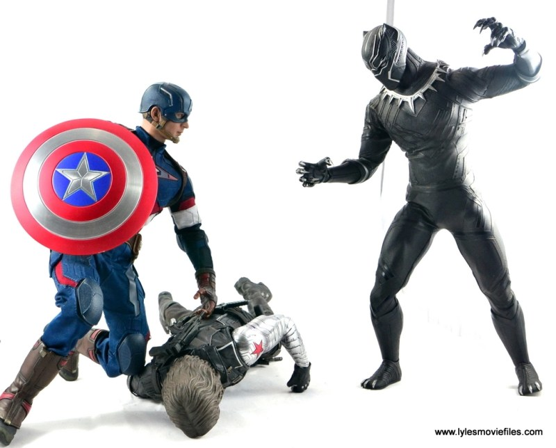 Hot Toys Black Panther figure review - Captain America saves Bucky