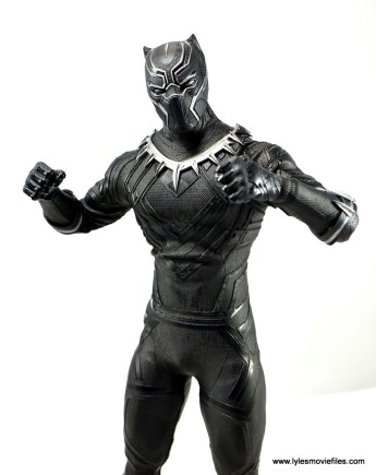 Hot Toys Black Panther figure review - fists