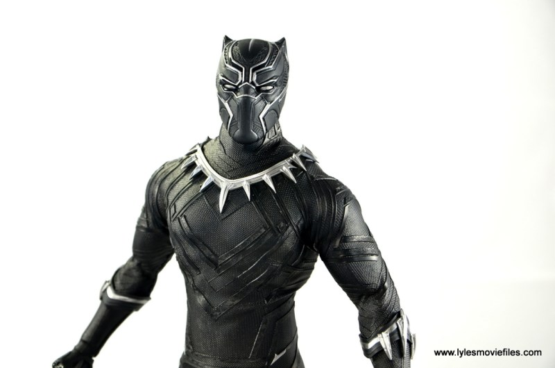 Hot Toys Black Panther figure review - wide