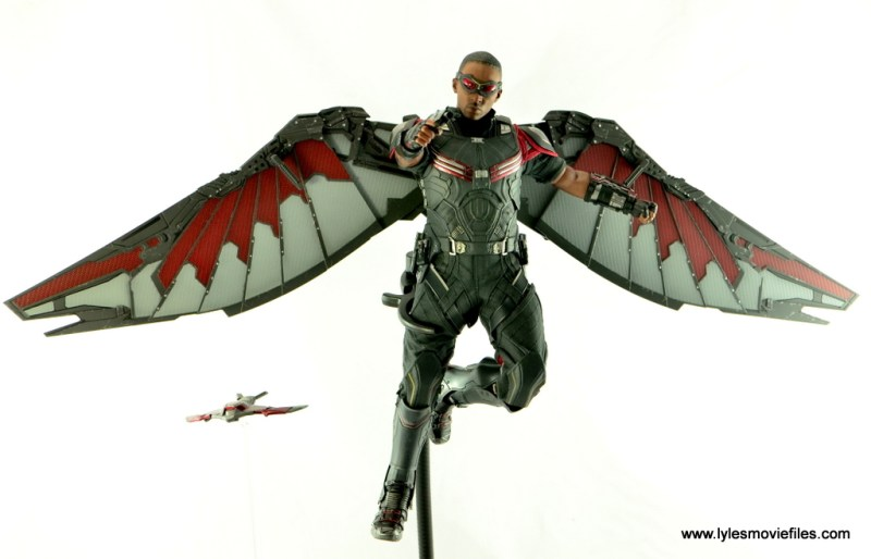 Hot Toys Captain America Civil War Falcon figure review -flying and aiming