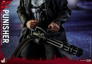 Hot Toys Netflix The Punisher figure -chain gun detail