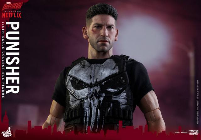 Hot Toys Netflix The Punisher figure -jacket off detail