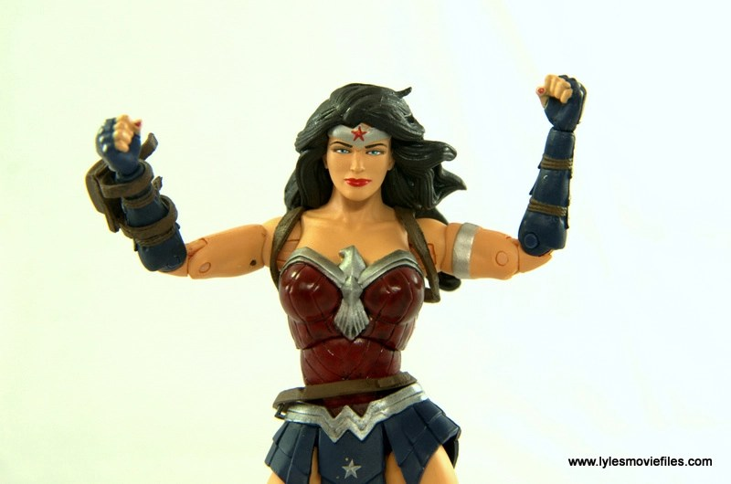 DC Icons Wonder Woman figure review -arms up