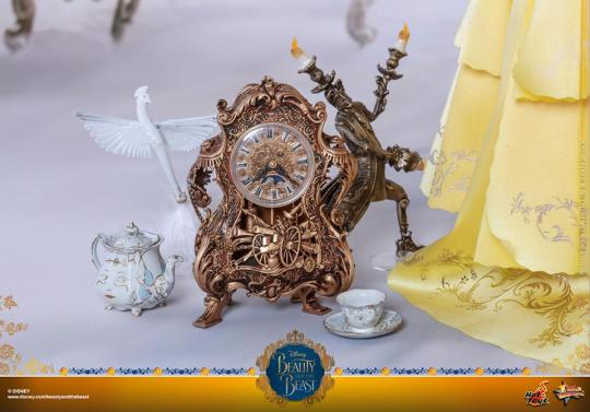 Hot Toys Beauty and the Beast Belle figure - accessories