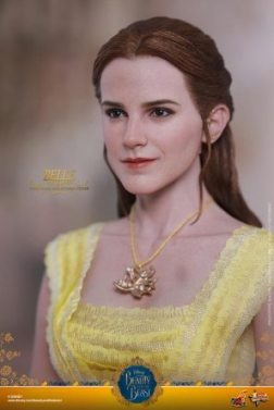 Hot Toys Beauty and the Beast Belle figure -portrait