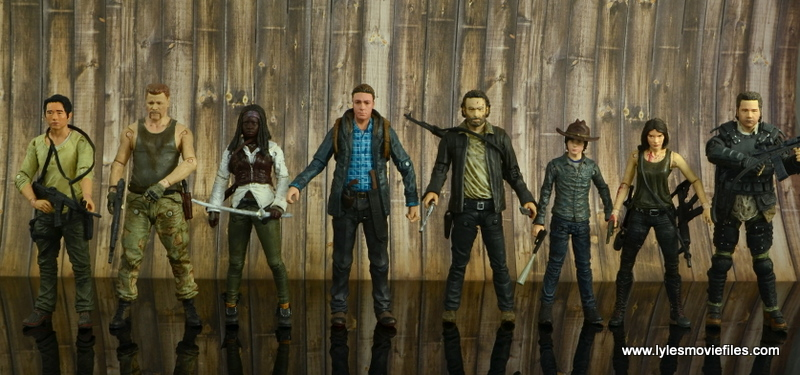 The Walking Dead Aaron figure review -Batter up