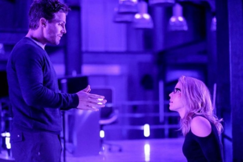 Arrow Underneath review - Oliver and Felicity