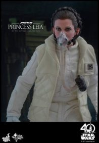 Hot Toys Princess Leia Hoth figure -mask on