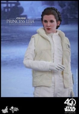 Hot Toys Princess Leia Hoth figure -standing