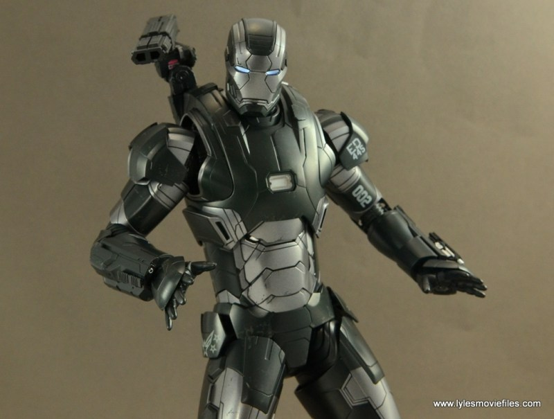 Hot Toys War Machine Age of Ultron figure review -lit eyes