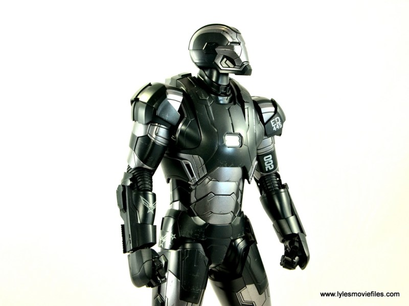 Hot Toys War Machine Age of Ultron figure review -looking to the distance