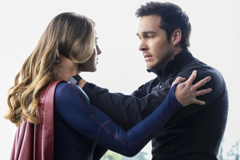 Supergirl Nevertheless She Persisted - Supergirl and Mon-El