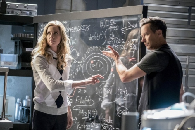 The Flash Cause and Effect - Tracy and HR