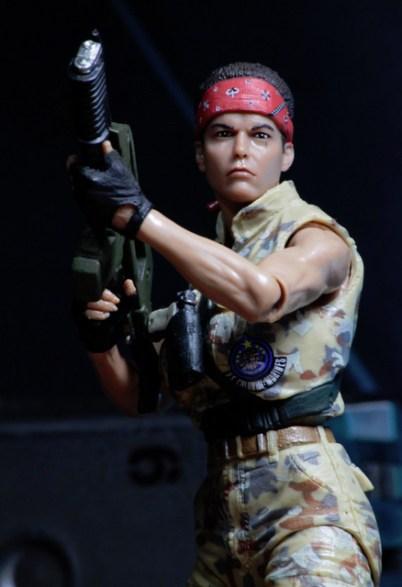 Aliens 12 reveals - Vasquez close up