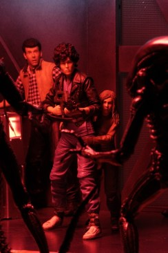 Aliens-Hadleys-Hope-NECA-02__Burke, Ripley and Newt