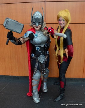 Awesome Con 2017 Day 2 cosplay - Lady Thor and Deadpool