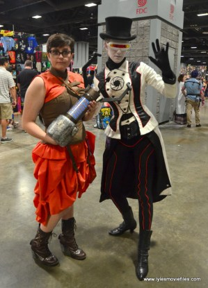 Awesome Con 2017 Day 2 cosplay - Steampunk Chell and GLaDOS