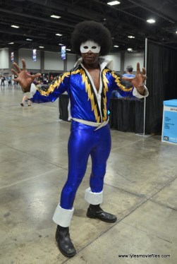 Awesome Con 2017 cosplay Friday -Black Lightning 2