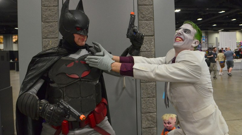 Awesome Con 2017 cosplay Friday -Flashpoint Batman vs Dark Knight Returns Joker