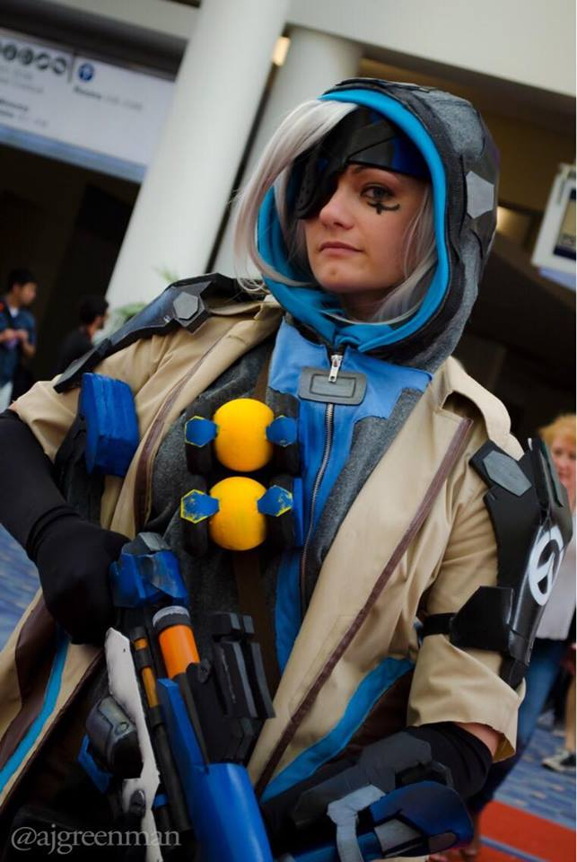 Canary Cry Cosplay as Ana from Overwatch