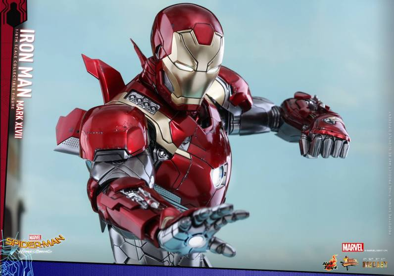 Hot Toys Iron Man Mark 47 figure - close up aiming