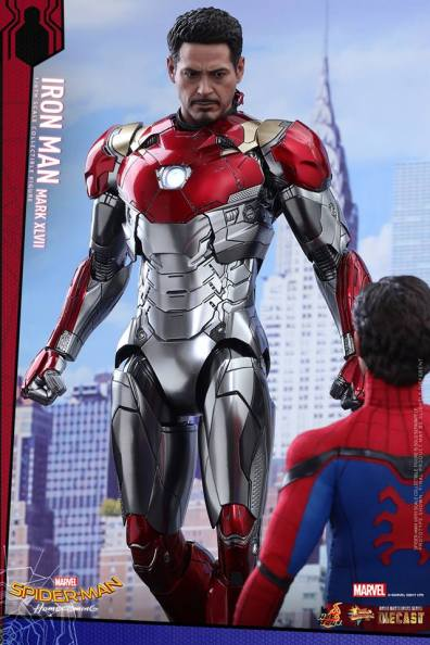 Hot Toys Iron Man Mark 47 figure - hovering by Peter
