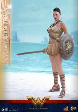 Hot Toys Wonder Woman Training Armor Version -on the shores