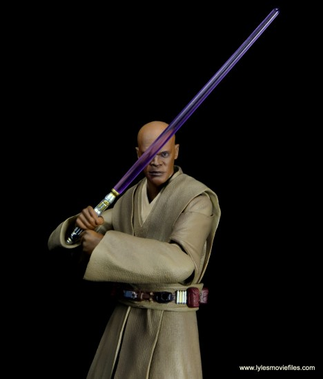 SH Figuarts Mace Windu figure review - lightsaber up to block