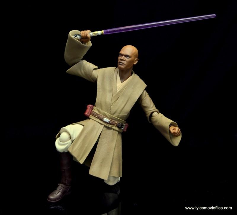 SH Figuarts Mace Windu figure review - on knee