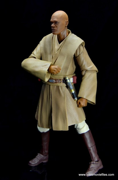 SH Figuarts Mace Windu figure review - side reaching for lightsaber