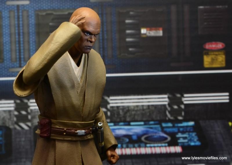 SH Figuarts Mace Windu figure review - thinking at the base