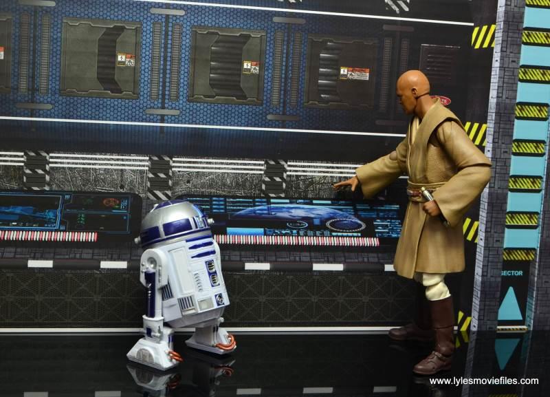 SH Figuarts Mace Windu figure review - with R2-D2 b