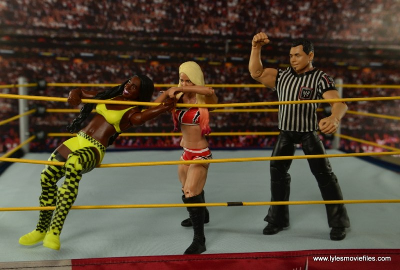 WWE Basic Alexa Bliss figure review - grabbing Naomi in ropes