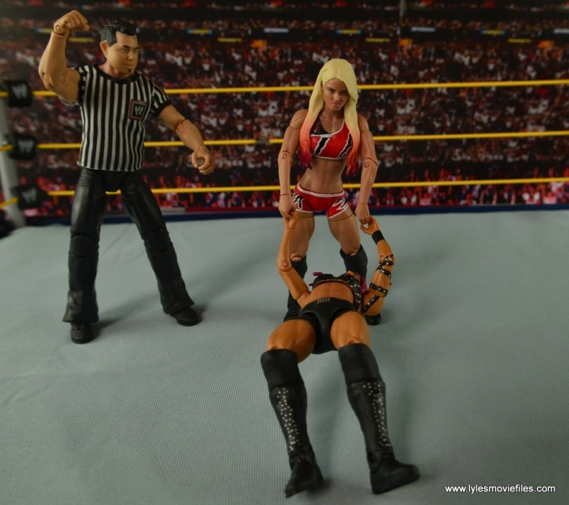 WWE Basic Alexa Bliss figure review - stepping on Sasha Banks' hair