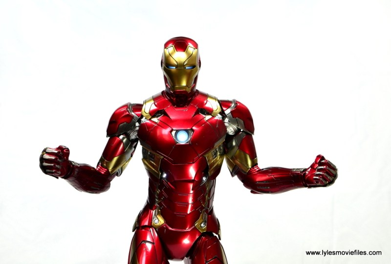 Hot Toys Captain America Civil War Iron Man Mark 46 figure review - main