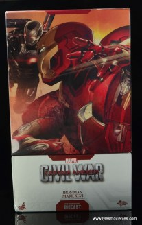 Hot Toys Captain America Civil War Iron Man figure review - package front