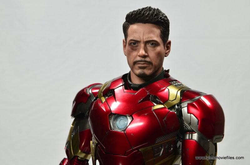Hot Toys Captain America Civil War Iron Man figure review - wide unmasked