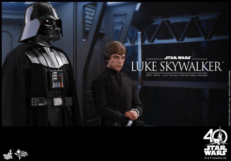 Hot Toys Jedi Luke Skywalker figure -in the hallway with Vader