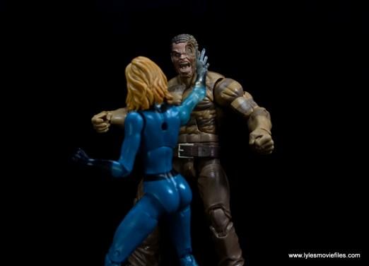 Marvel Legends Sandman figure review - vs Invisible Woman