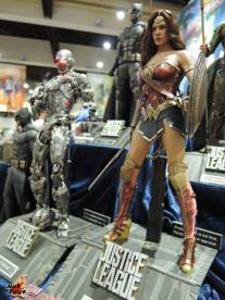 SDCC 2017 new Hot Toys Justice League Cyborg and Wonder Woman