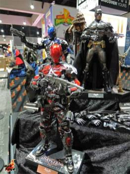 SDCC 2017 new Hot Toys Red Hood