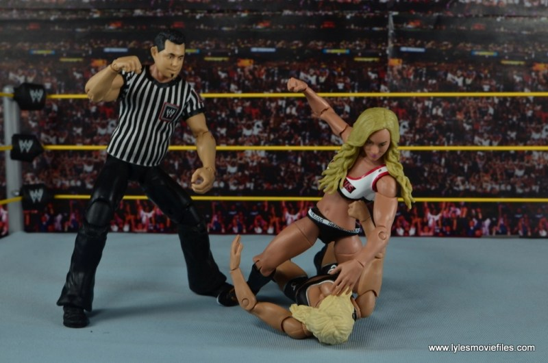 WWE Carmella figure review - brawling with Charlotte