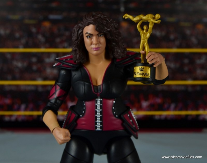 WWE Nia Jax figure review - holding Slammy