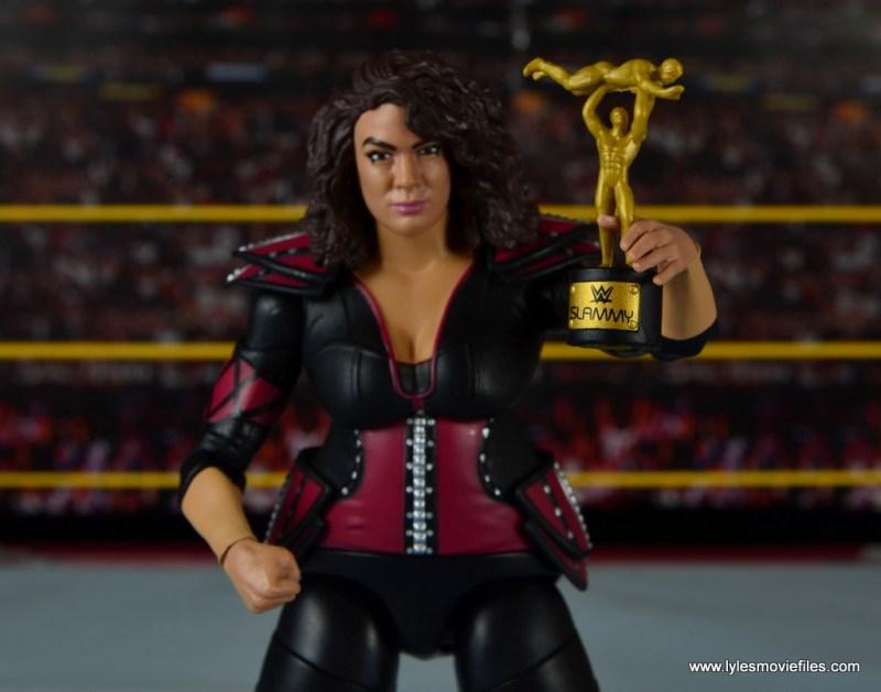 WWE Nia Jax figure review - holding Slammy